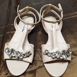 MIU MIU SANDALS 34.5 Patent nude with crystals